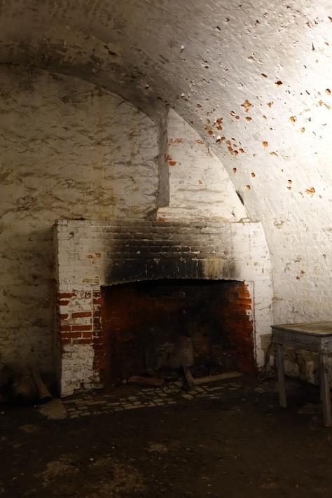 ft-mifflin-bunker-fireplace